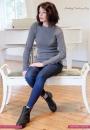 Стильный свитер вязанный резинкой