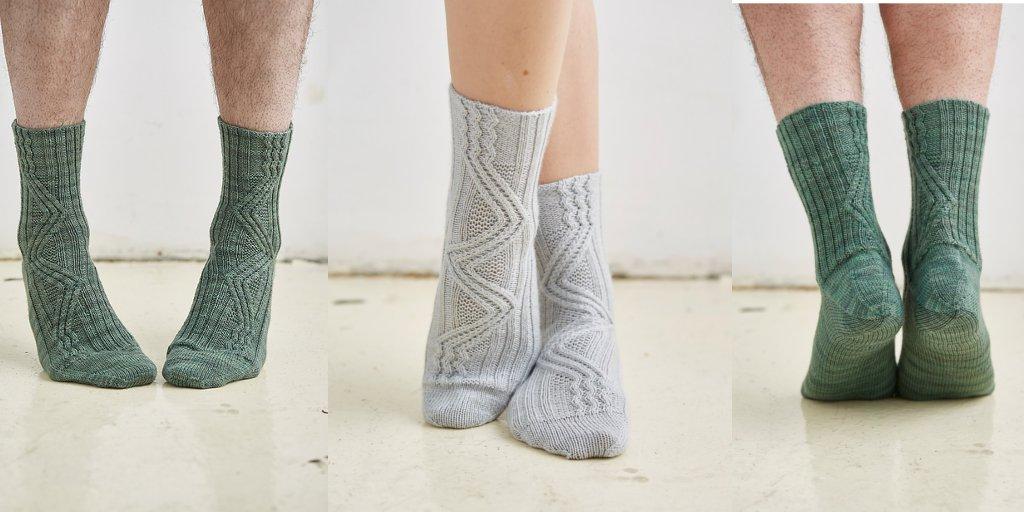 Вязание носок с косами 209