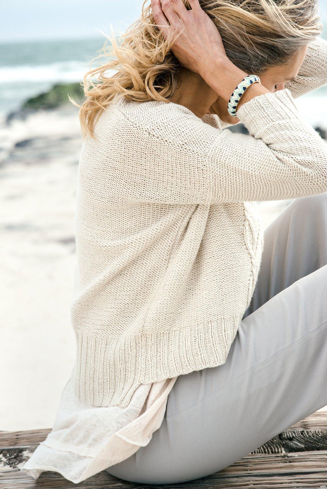 Женский пуловер и свитер крючком или спицами 98