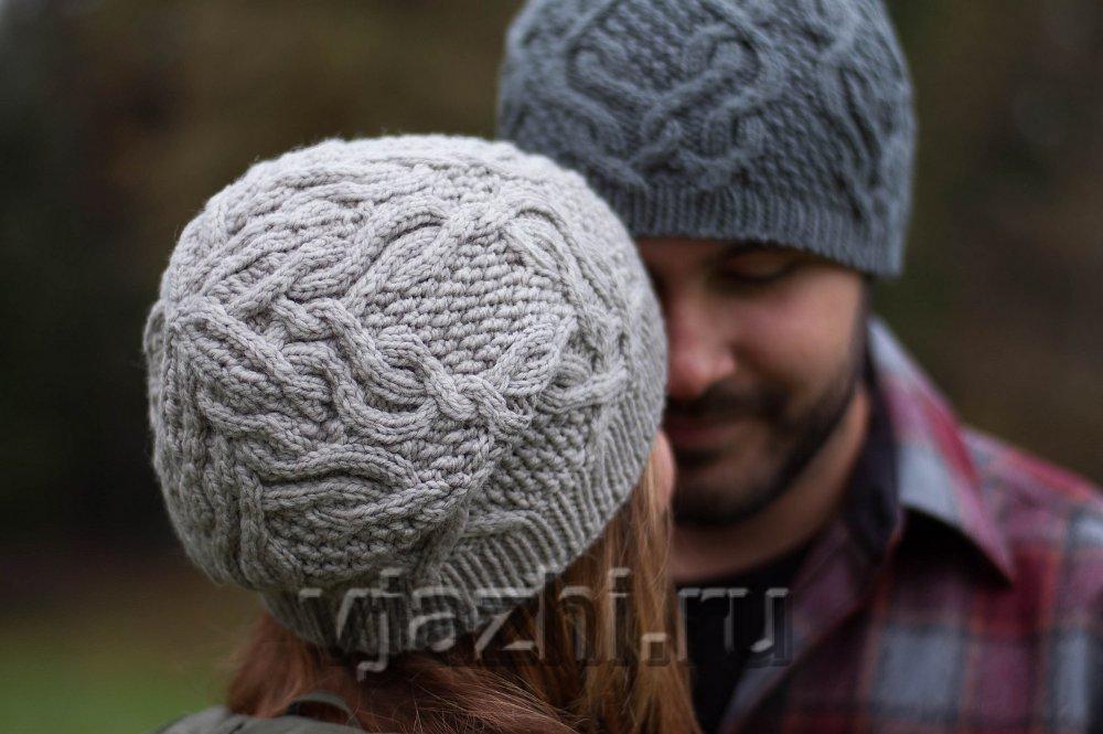 шапки с косами спицами с описанием Feather Cables вяжиру
