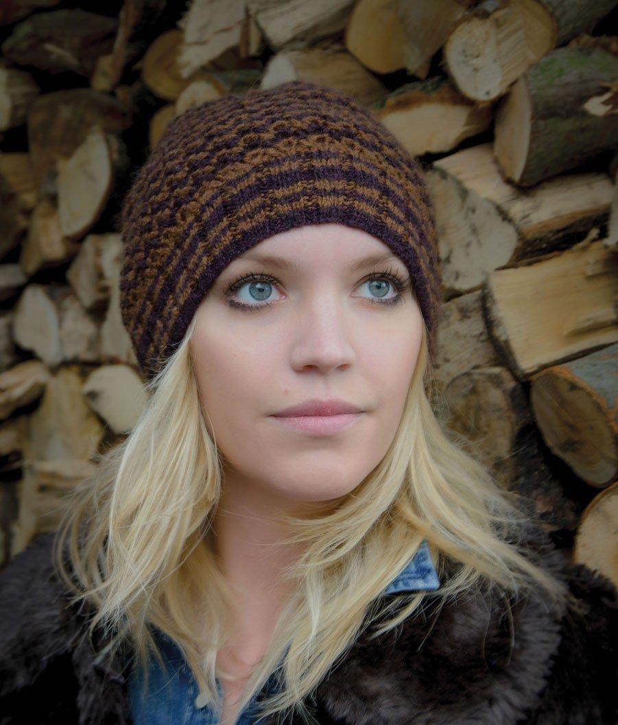 вязание спицами шапки на описание и схема