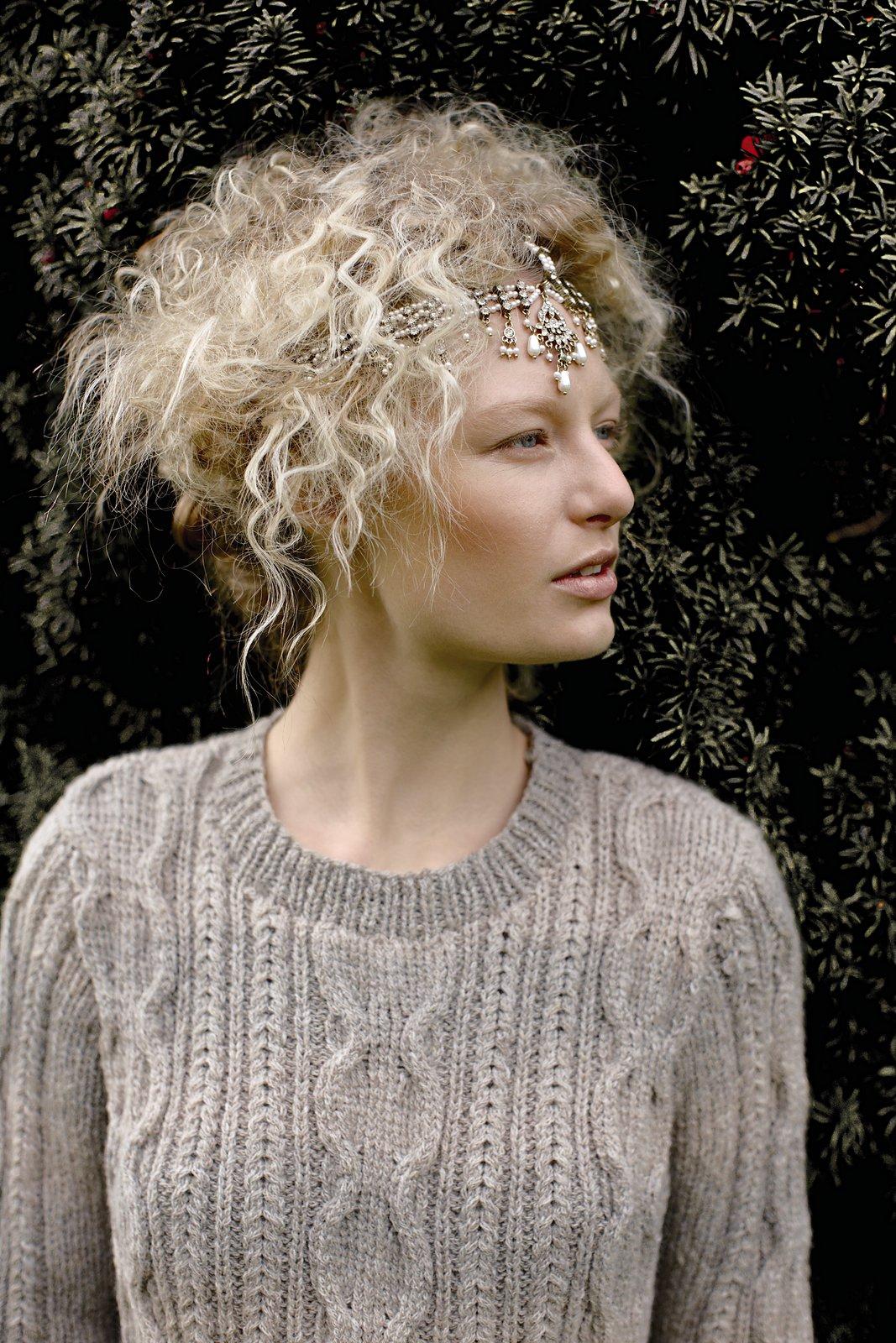 женский свитер с оленями спицами схемы