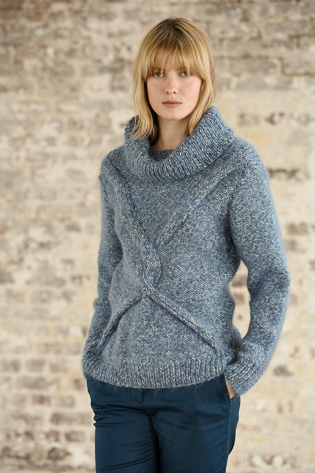 свитер Cleona с перемещающейся косой вяжиру