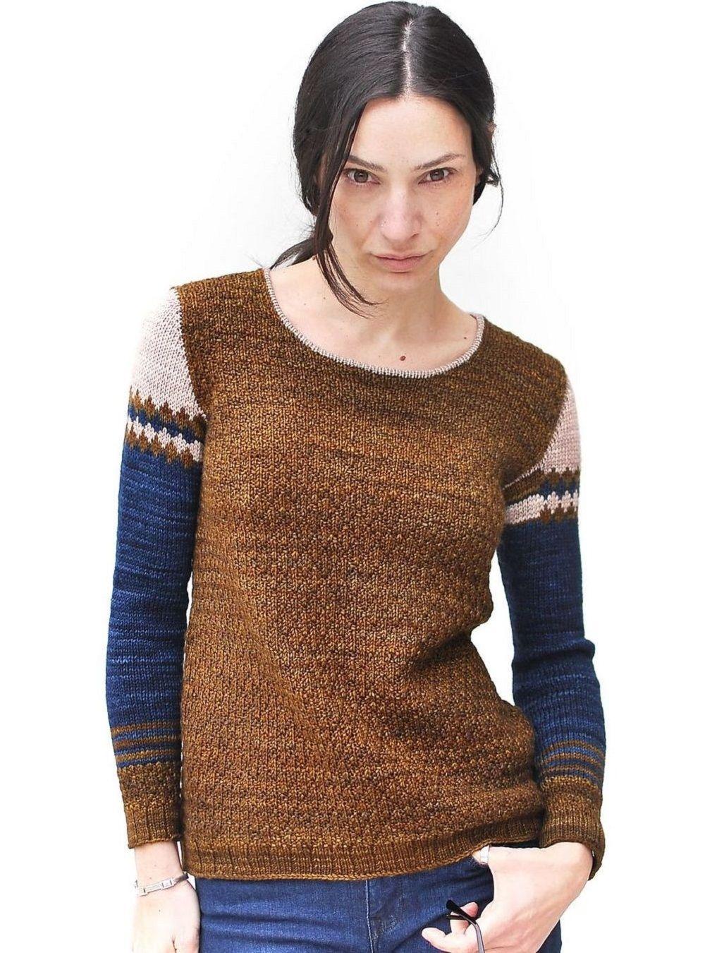 вязание женских моделей пуловеров со схемами из трехцветной гаммы