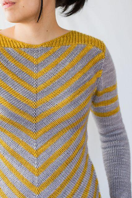пуловер Aumangea связанный по диагонали вяжиру