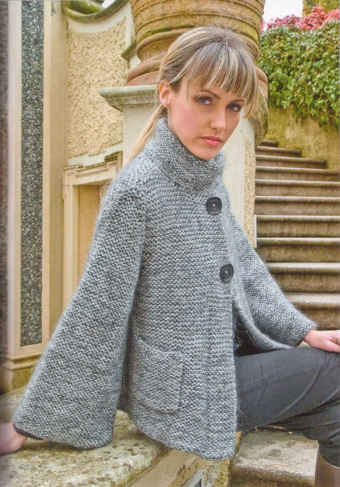 Пальто на пуговицах вязание спицами