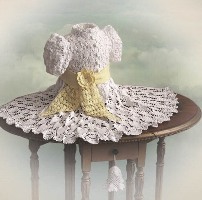 Часть 1. Часть 2. Очень красивые платья для девочки крючком на любой вкус.  Это с сайта. http...