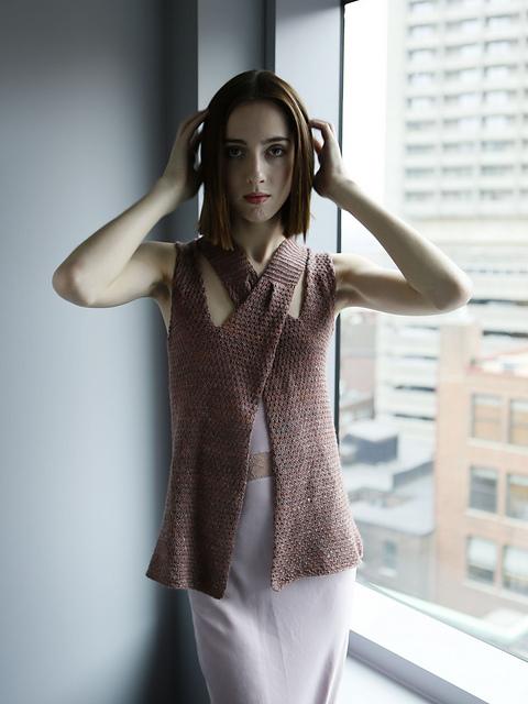 Вязание спицами для женщин модные модели 2016