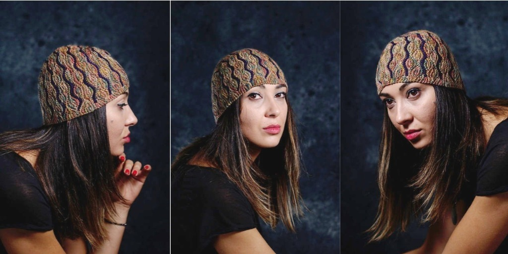 Необычная шапка спицами Undulous