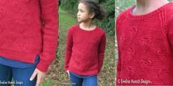 Детский свитер с сердечками