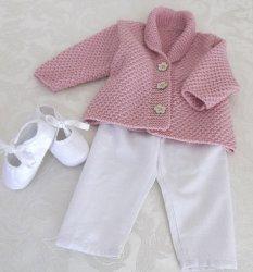 Вязание для малышей жакета и пинеток