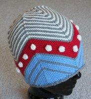 Красивая необычная шапка спицами