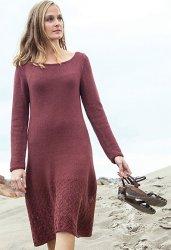 Вязаное спицами женское платье с ажурным низом с описанием от Эмили О'Нейл