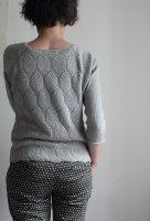 Пуловер без швов спицами сотами и резинкой