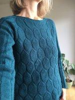 Пуловер узором соты схема