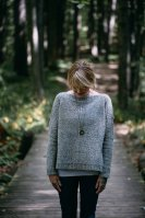 Меланжевый свитер спицами