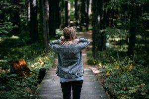 Модный меланжевый свитер