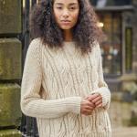 Широкий пуловер спицами Buttrick